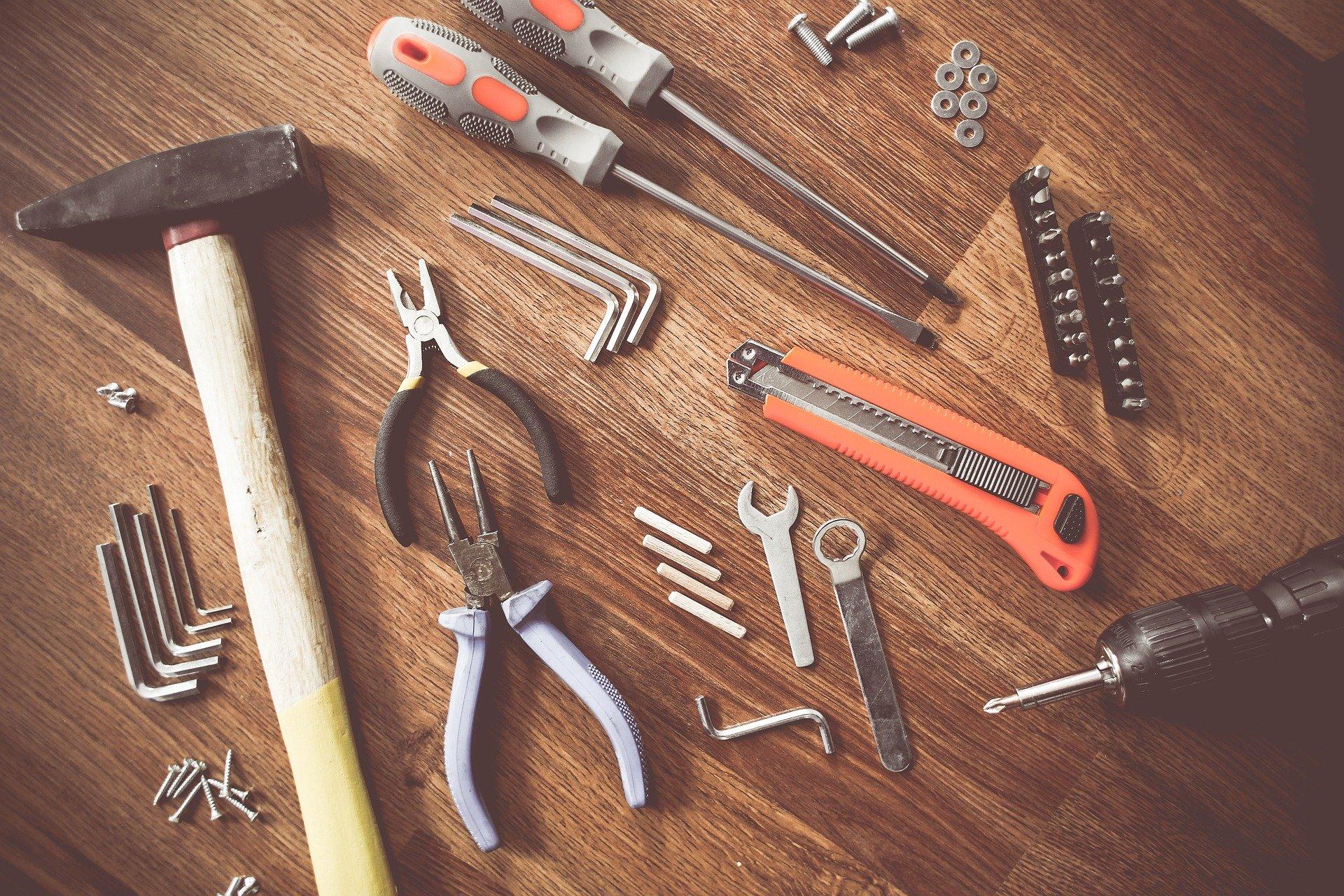 Tenha segurança na hora de manusear as ferramentas manuais