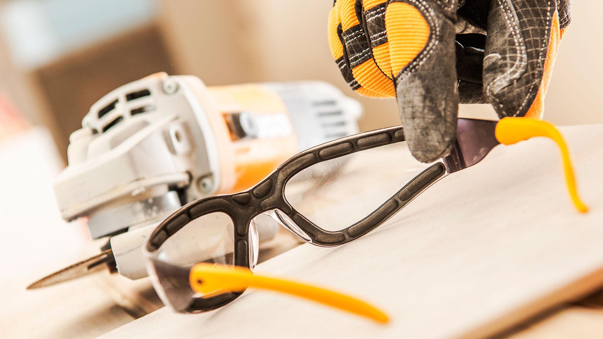 Dicas para limpeza e manutenção do seu óculos de segurança.